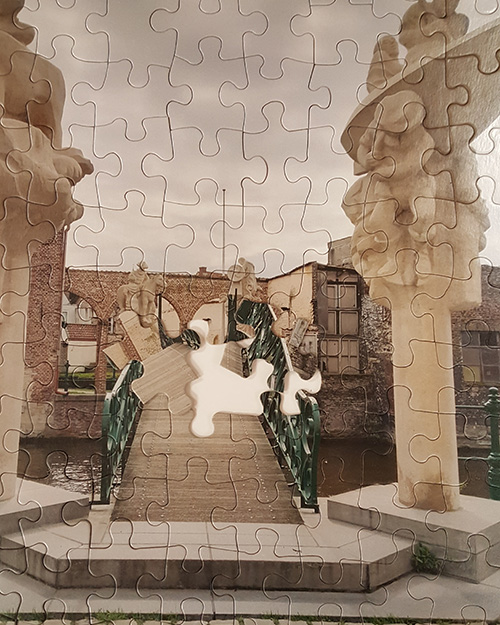 Wholesale custom jigsaw puzzles are perfect for museum gift shops.